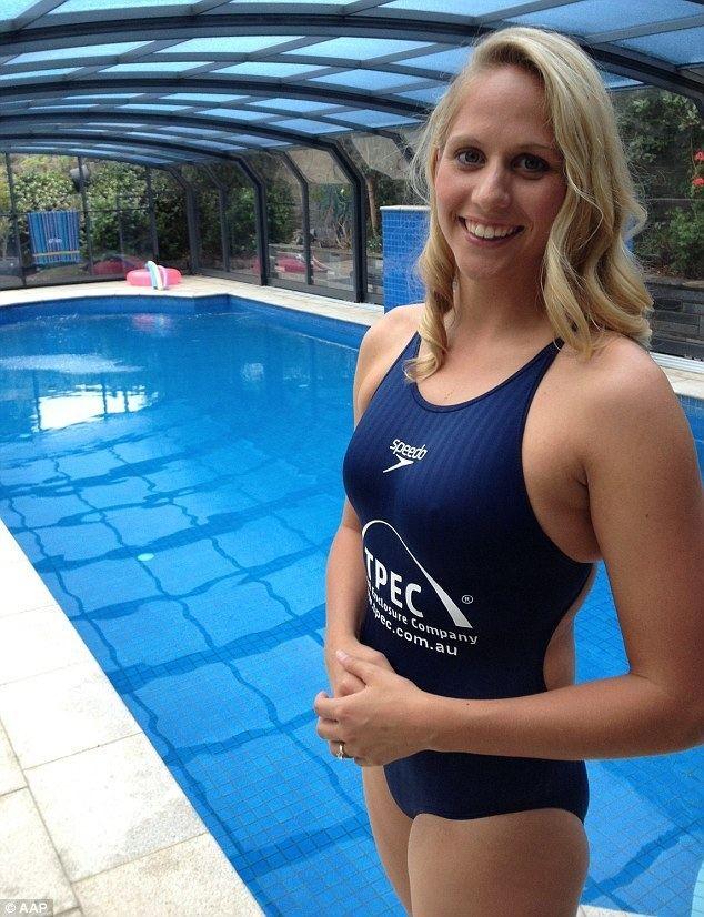 Chloe McCardel Chloe McCardel BREAKS world record with 128km open water