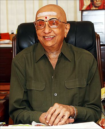 Cho Ramaswamy We are doing a disservice to Tamils in Sri Lanka39 Rediff