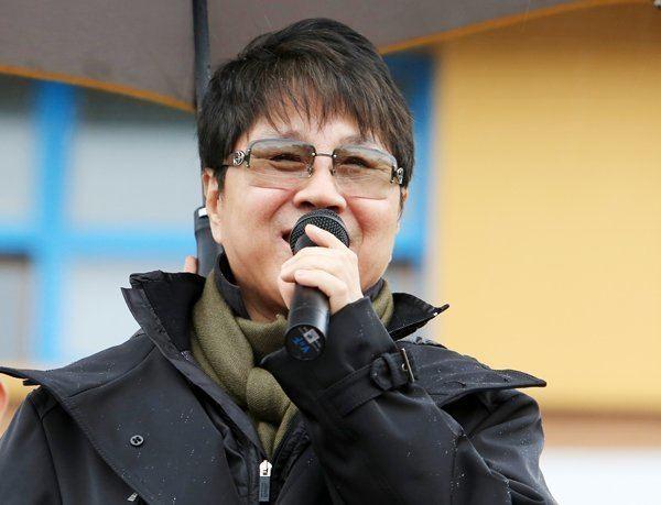 Cho Yong-pil staticaskkpopcomimagescelebsKorea8397ChoYo