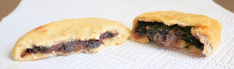 Chorley cake FileChorley cake and Eccles cakejpg Wikimedia Commons