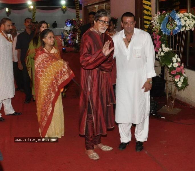 Chowky movie scenes Bolly Celebs at Sanjay Dutt Mata ki Chowki Event Click for next