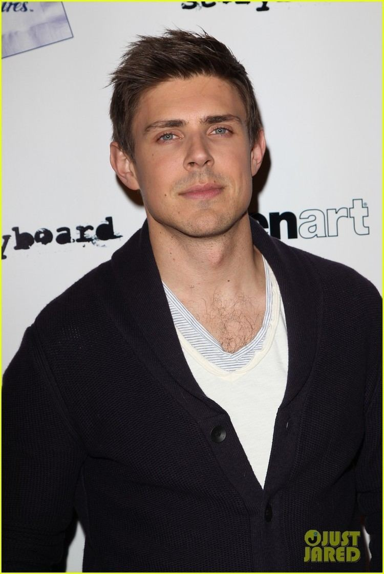 Chris Lowell Chris Lowell amp Rose McIver 39Brightest Star39 Premiere