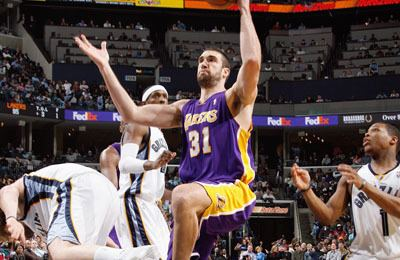 Chris Mihm LAKERS TRADE CHRIS MIHM TO MEMPHIS GRIZZLIES THE OFFICIAL SITE OF