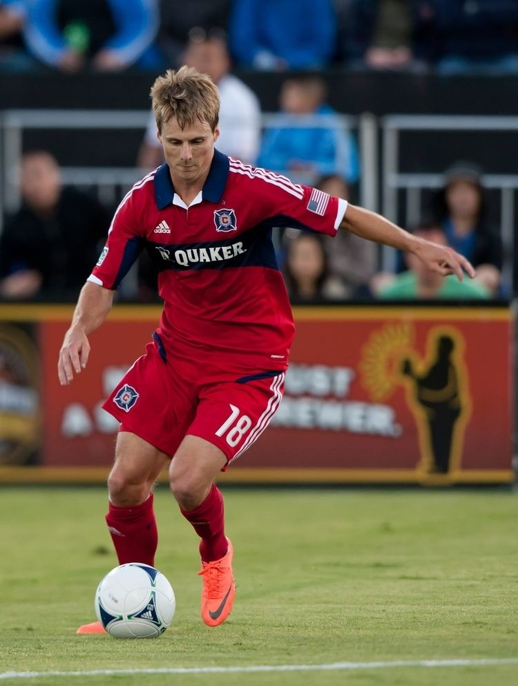 Chris Rolfe Rolfe double leads Fire to fourth straight win Soccer By