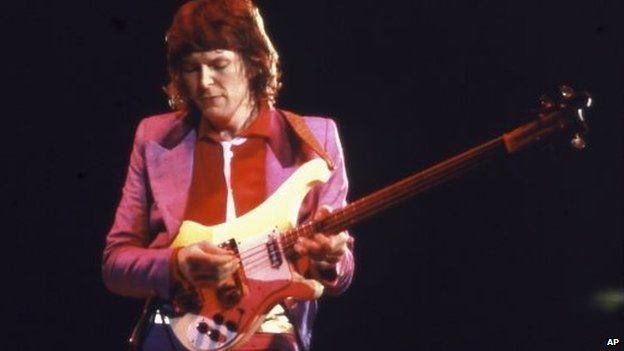 Chris Squire Yes bass guitarist Chris Squire dies aged 67 BBC News