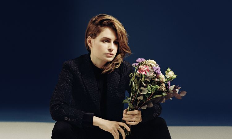 Christine and the Queens NOW LISTENING CHRISTINE AND THE QUEENS simplycyn