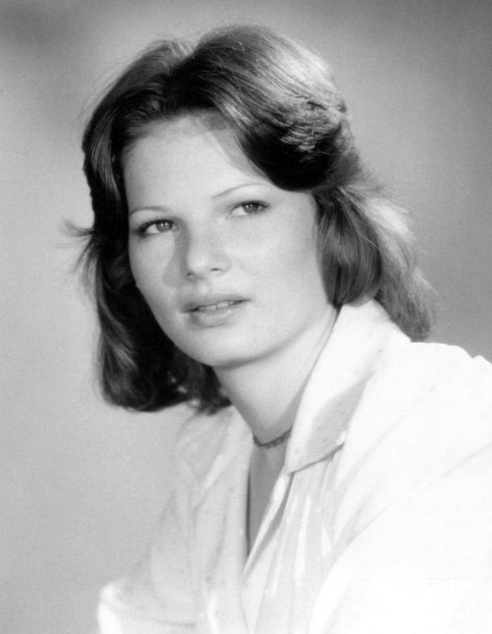 Christine Belford httpsuploadwikimediaorgwikipediacommonsdd