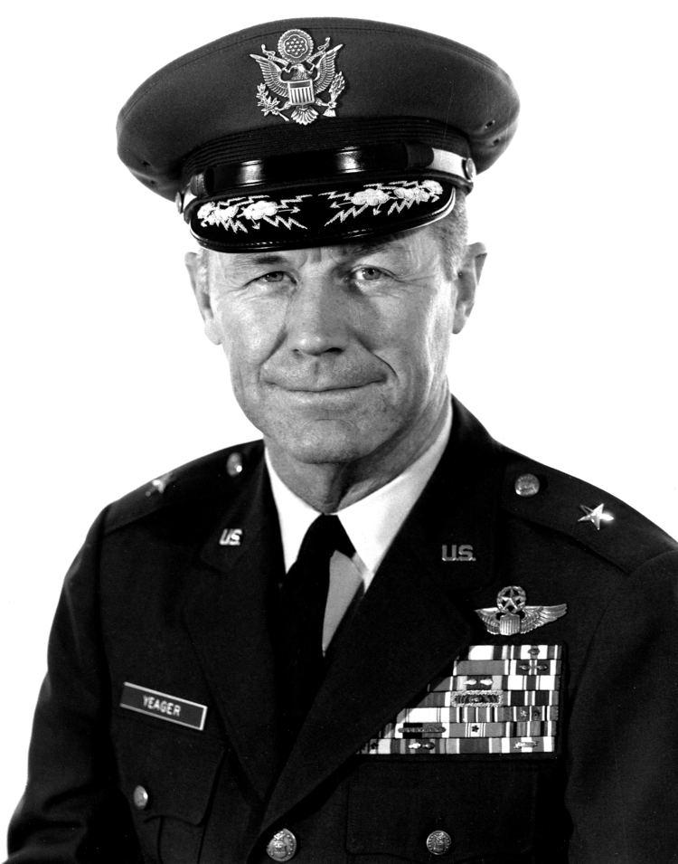 Chuck Yeager httpsuploadwikimediaorgwikipediacommons33