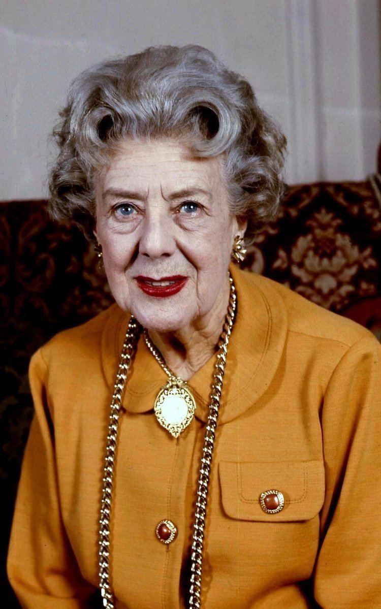 Cicely Courtneidge httpsuploadwikimediaorgwikipediacommonsff