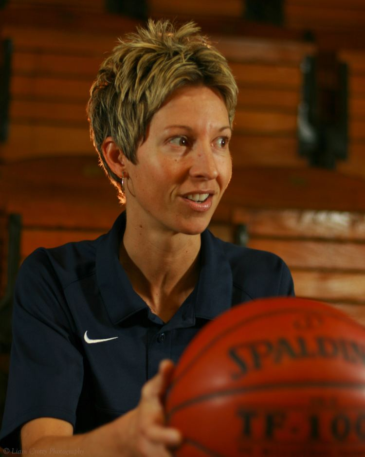 Cindy Blodgett A Maine heroine Former WNBA player and current UMaine head coach