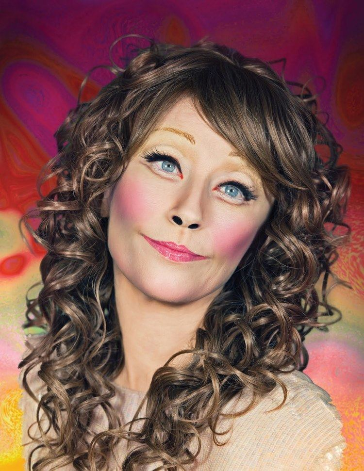 Cindy Sherman MAC makeup gets the Cindy Sherman treatment Cindy sherman