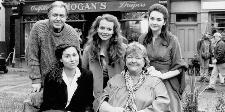 Circle of Friends (1995 film) Circle of Friends (1995 film)