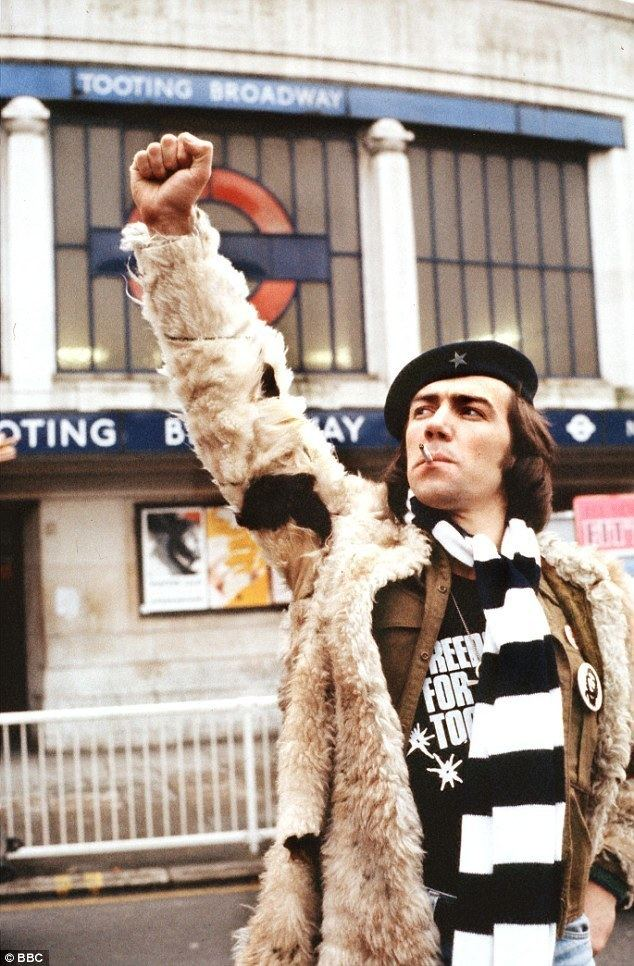 Citizen Smith Robert Lindsay to reprise role as Wolfie in Citizen Smith return