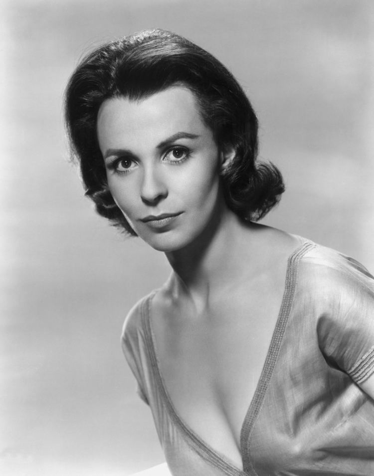 Claire Bloom Claire BloomAnnex