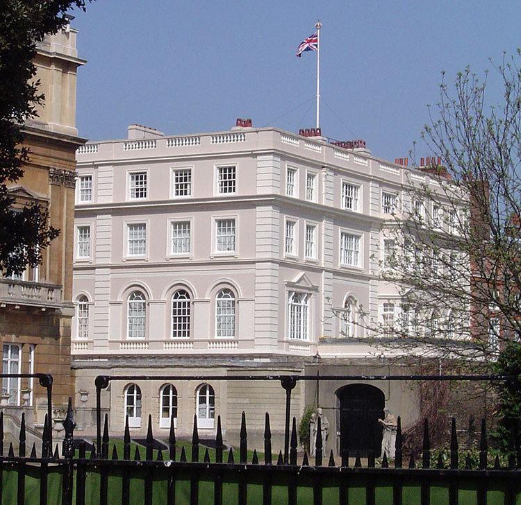 Clarence House httpsuploadwikimediaorgwikipediacommonsee