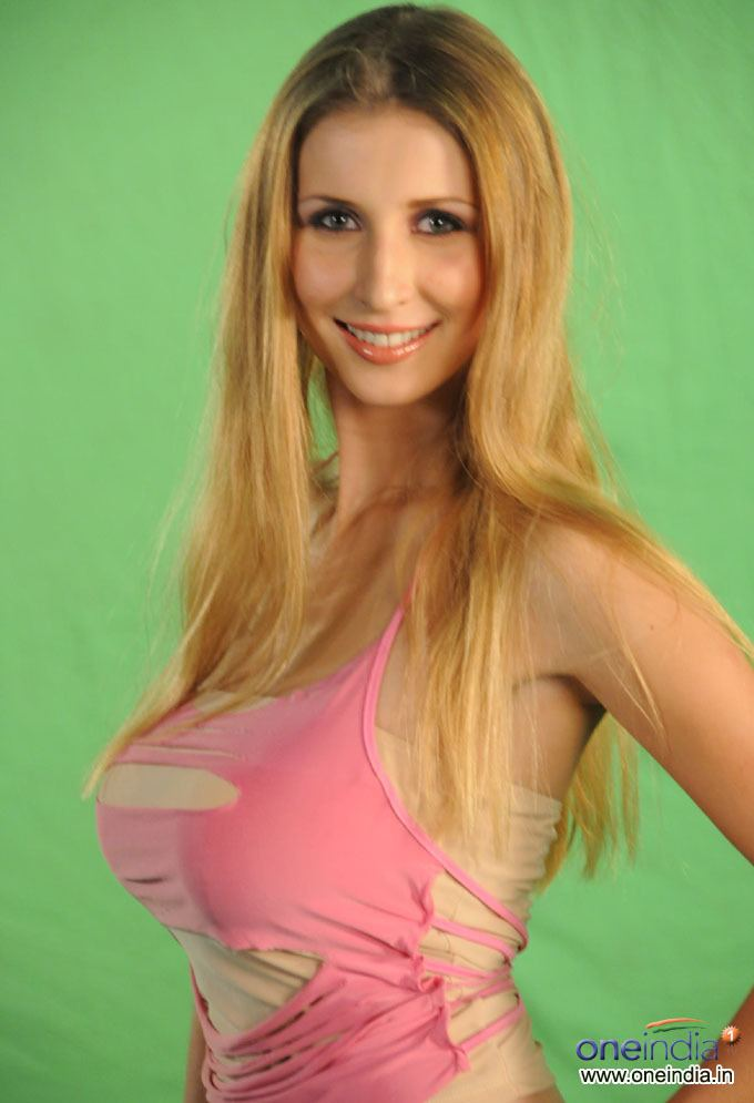 Claudia Ciesla photosfilmibeatcomphbig20111013176175522153