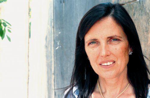 Claudia Piñeiro Entrevista a la escritora Claudia Pieiro por Un comunista en