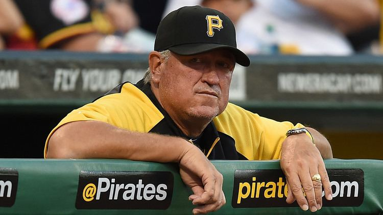 Clint Hurdle Manager Clint Hurdle pushing through hip pain to be with Pirates