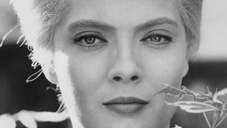 Cléo from 5 to 7 Clo from 5 to 7 1962 The Criterion Collection