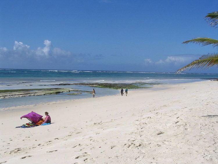Coast Province FileDiani Beach towards the south next to the Indian Ocean Beach