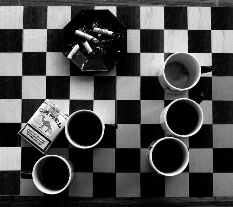 Coffee and Cigarettes Short Cuts COFFEE AND CIGARETTES Jonathan Rosenbaum