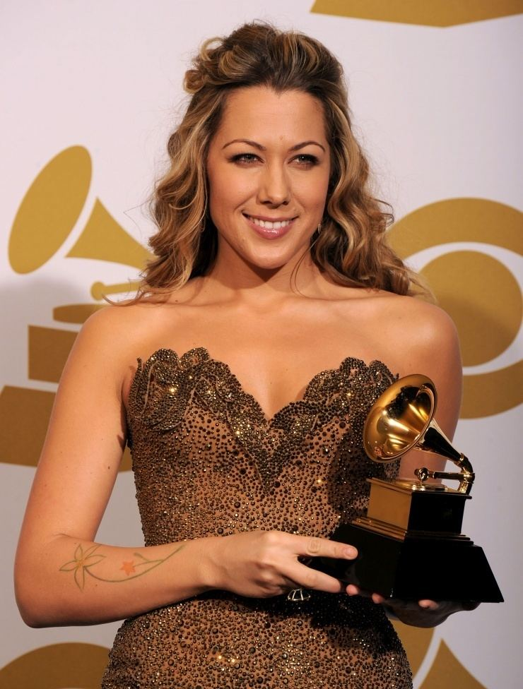 Colbie Caillat Hypes Now Playing Colbie Caillat Live It Up Hype Malaysia