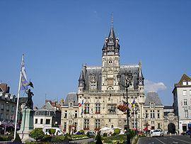 Compiègne httpsuploadwikimediaorgwikipediacommonsthu