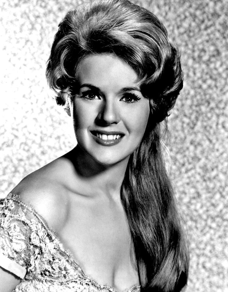 Connie Stevens Connie Stevens Wikipedia the free encyclopedia
