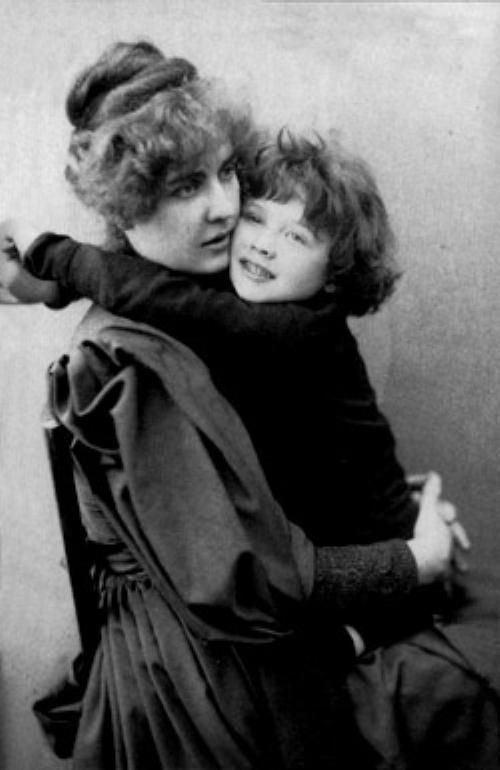Constance Lloyd Oscar Wilde39s wife ConstanceLloyd and child Oscar Wilde