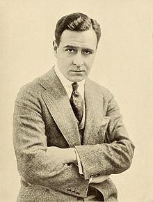 Conway Tearle httpsuploadwikimediaorgwikipediacommonsthu