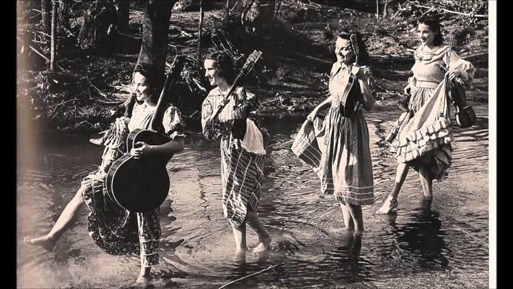 Coon Creek Girls httpsiytimgcomviL0QsYeOQlkmaxresdefaultjpg