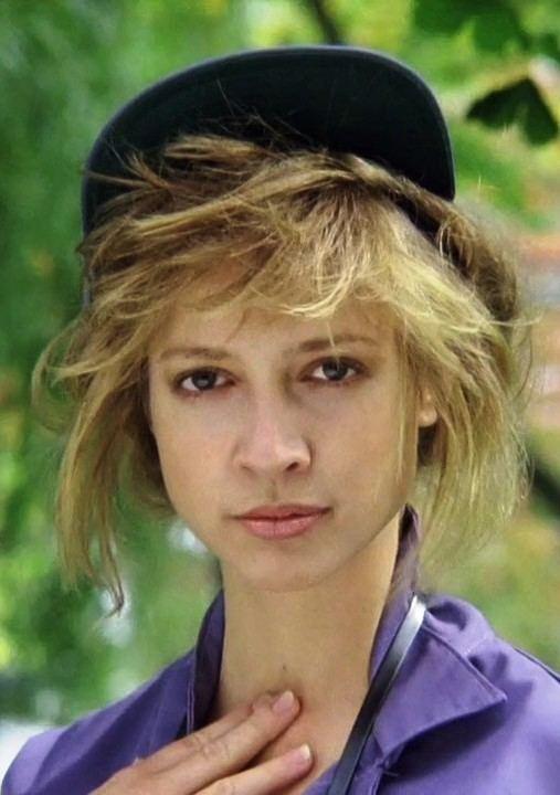 Corinne Bohrer Poze cu Corinne Bohrer CinemaRx Poza 6 din 7