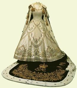 Coronation gown of Elizabeth II The Royal Order of Sartorial Splendor Flashback Friday The Queen39s