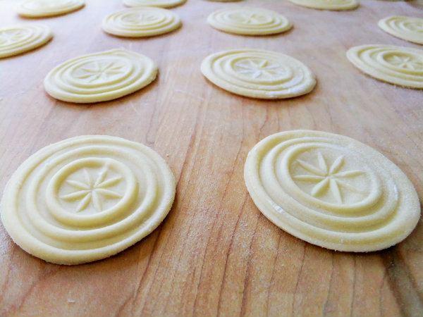 Corzetti Making Homemade Corzetti Pasta Proud Italian Cook
