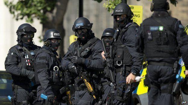 Counter-terrorism ichefbbcicouknews624cpsprodpbB17Bproductio