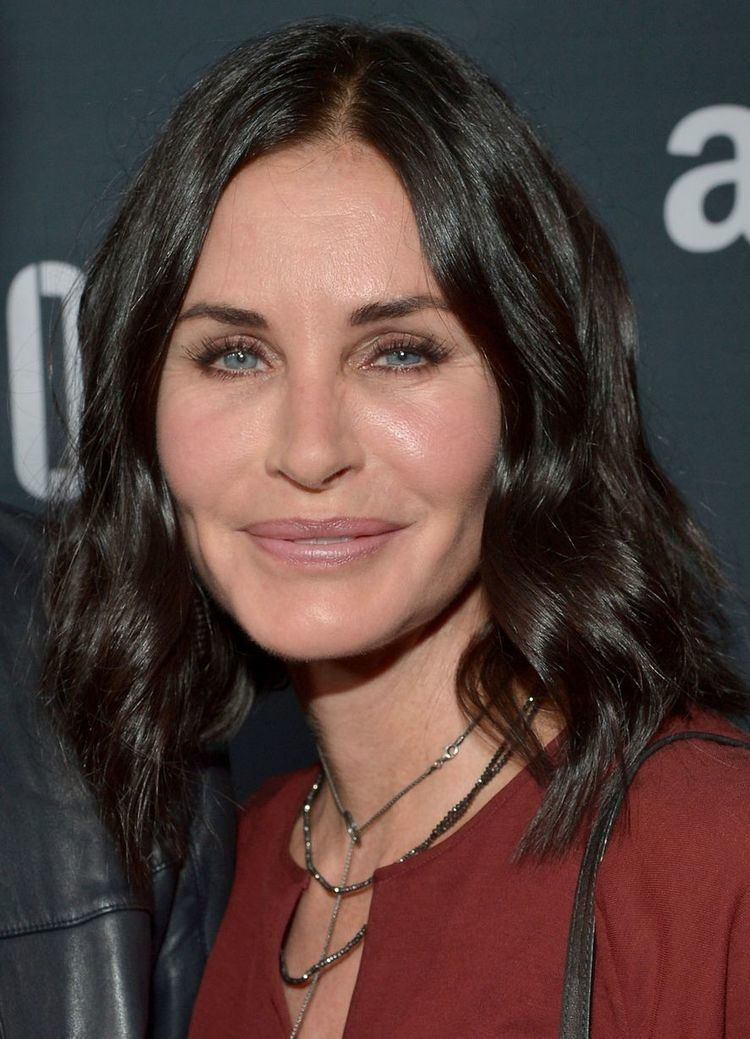 Courteney Cox Courteney Cox shows off freshfaced new look but insists