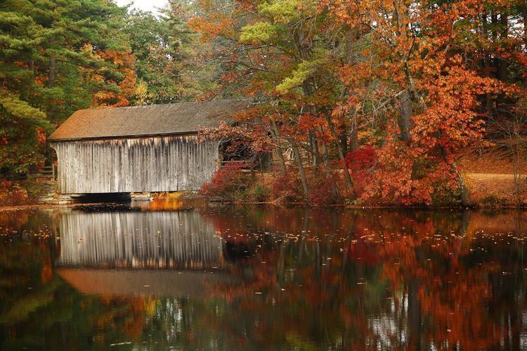 Covered bridge New England39s Covered Bridges Discover New England