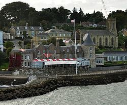 Cowes Castle httpsuploadwikimediaorgwikipediacommonsthu