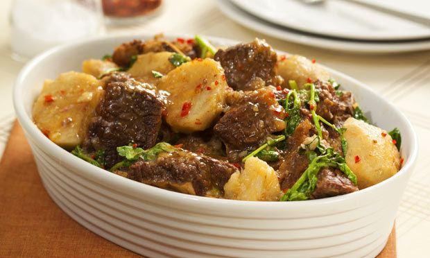 Cozido Beef and Yam Stew Cozido de Inhames com Carne