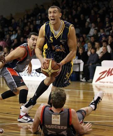 Craig Bradshaw Craig Bradshaw slamdunks his old Otago team Stuffconz