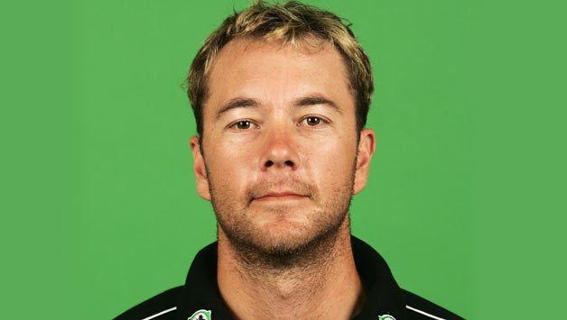 Craig McMillan (Cricketer) playing cricket