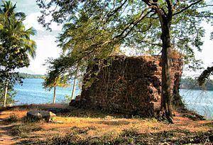Cranganore Fort httpsuploadwikimediaorgwikipediacommonsthu