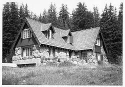Crater Lake Superintendent's Residence httpsuploadwikimediaorgwikipediacommonsthu