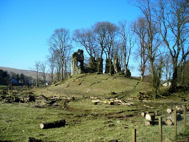 Crawford Castle Crawford Castle Iain Thompson ccbysa20 Geograph Britain and