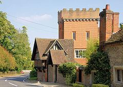 Crawley, Hampshire httpsuploadwikimediaorgwikipediacommonsthu
