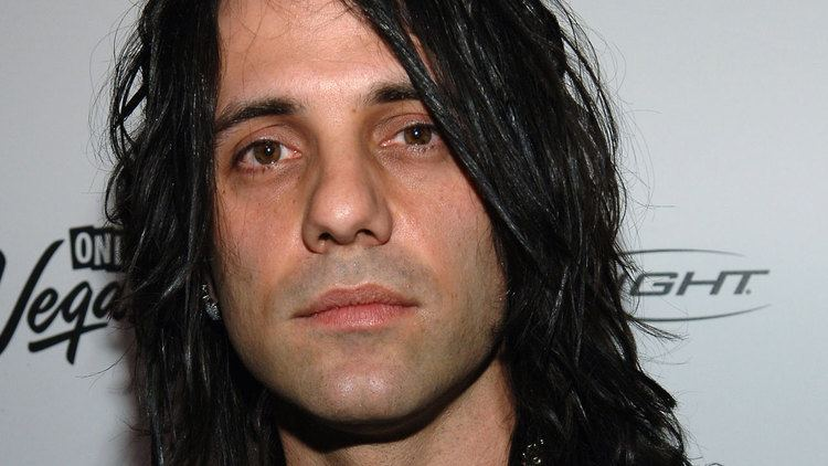 Criss Angel Magician Criss Angel gives heartwarming update on sons cancer AOL