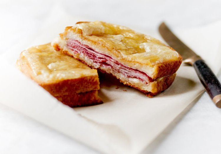 Croque-monsieur httpsstatic01nytcomimages20150403dining