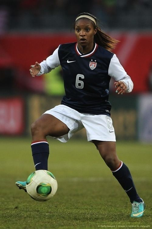 Crystal Dunn ENYYSA Partners with At Peak Sports and USWNT39s Crystal