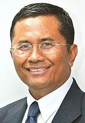 Dahlan Iskan httpsuploadwikimediaorgwikipediacommons33