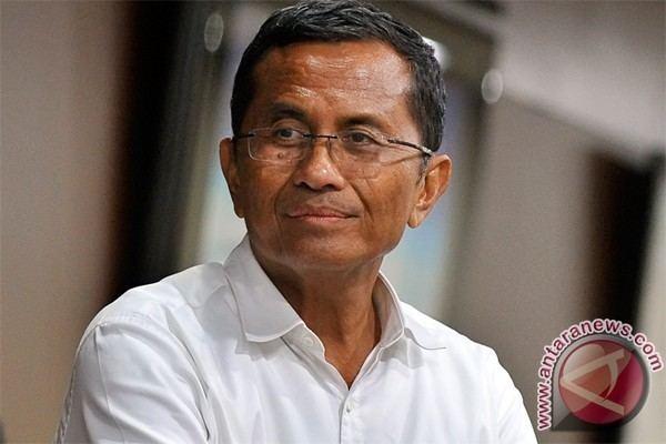 Dahlan Iskan Dahlan Iskan accepts delay in gas price hike ANTARA News